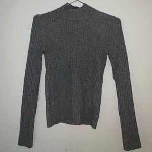 Turtle neck gray sweater (Small)